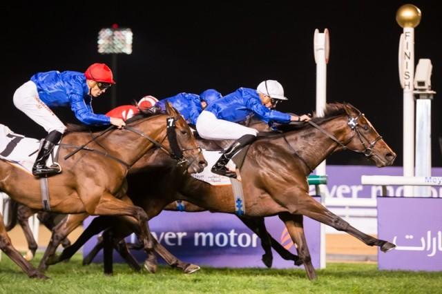 MEYDAN (Dubai): ¡En gran final! ZAKOUSKI lideró una trifecta de GODOLPHIN en la Zabeel Mile (G2), sorprendiendo a los favoritos, sus compañeros de cuadra