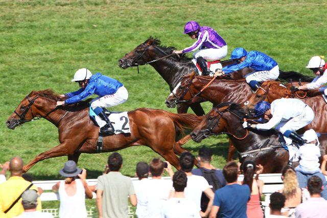 DEAUVILLE (Francia): ¡Falló el favorito de Godolphin! Pero ganó SPACE BLUES, otro del escuadrón, ligando su 4º triunfo en fila al vencer en el Prix Maurice de Gheest (G1)